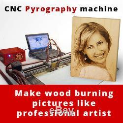 Cnc Machine À Bois Pour Les Entreprises À Domicile. Photos Brûlées De Photo